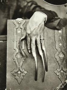 Des ongles d'un riche