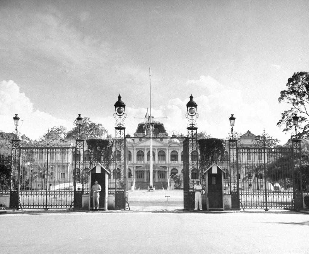 Dinh Norodom năm 1948
