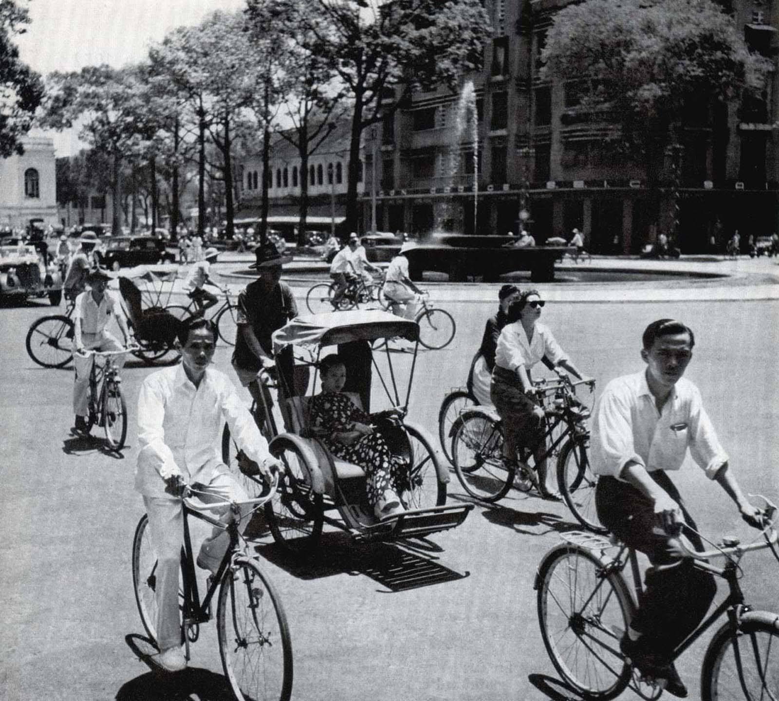 Vòng Xoay 1952
