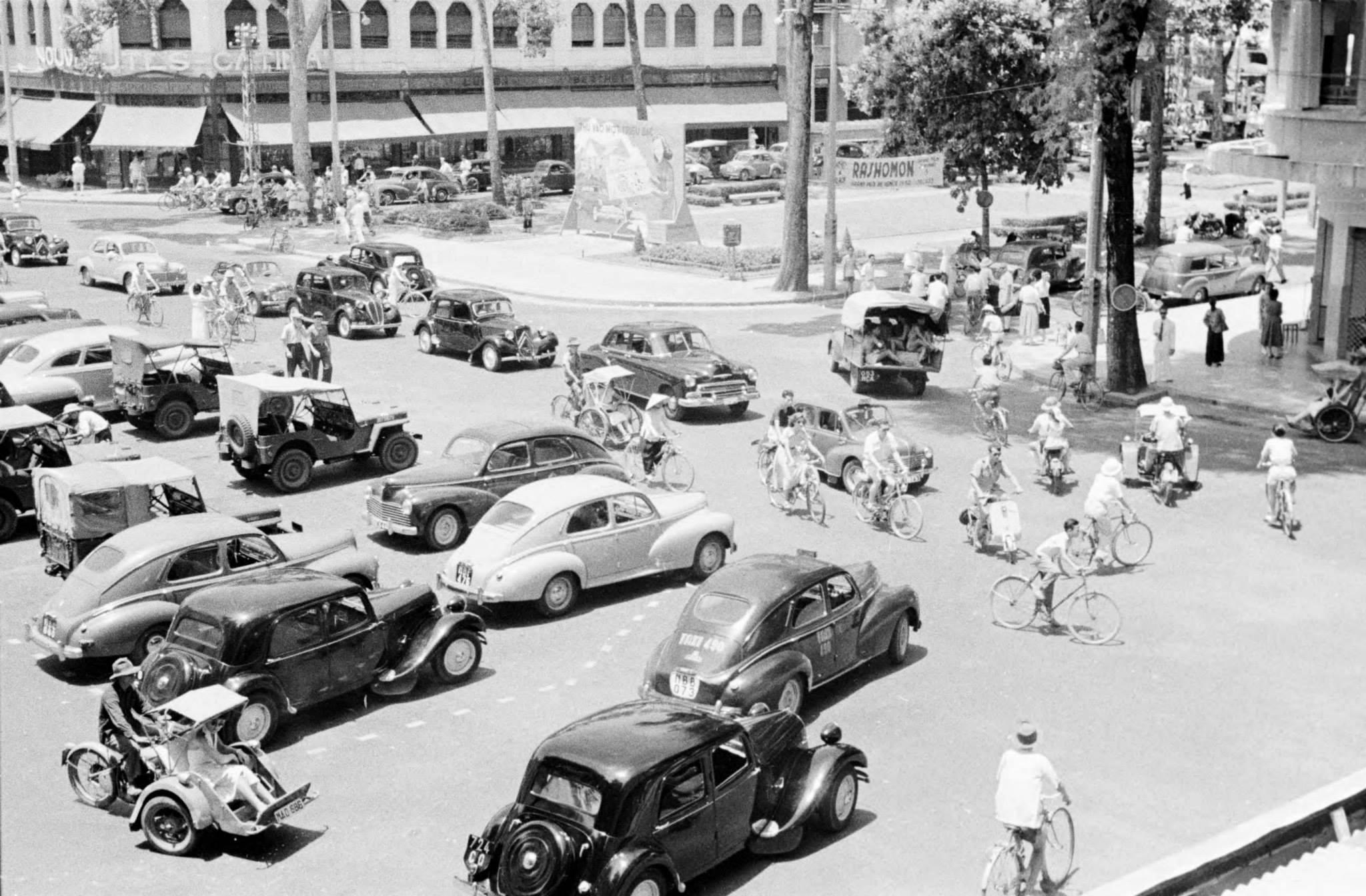 Saigon Charner & Bonnard - 1950