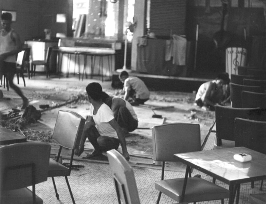 Đường phố Sài Gòn sau đảo chánh 1-11-1963 - Nhà hàng Quốc Tế