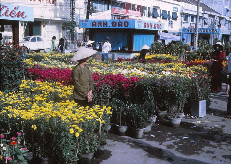 Chợ hoa Tết đường Nguyễn Huệ Trước 1975