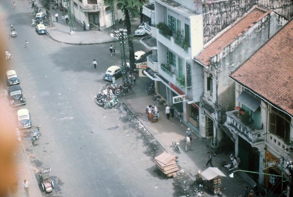 Gary Mathews - Saigon - Ngã ba Nguyễn Văn Thinh - Phan Văn Đạt