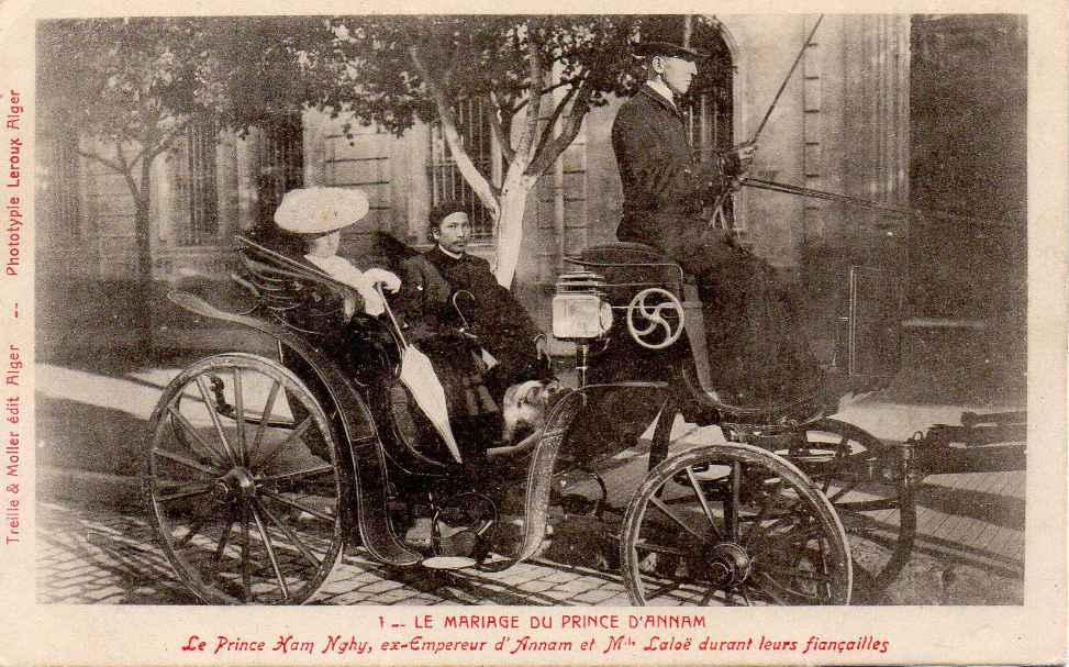 Cựu hoàng Hàm Nghi trên chiếc xe ngựa với ý trung nhân, Bà Laloe