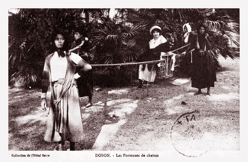 Phụ nữ bản xứ vát kiệu bà tây