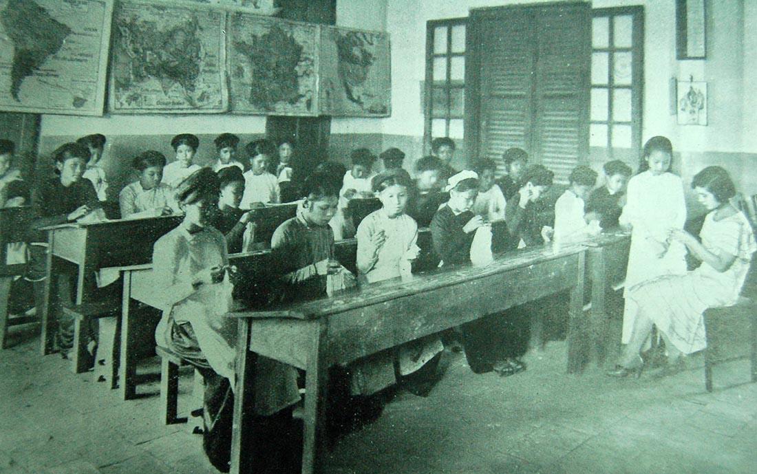 Nền giáo dục ở Tonkin - Lớp thủ công mỹ nghệ 0