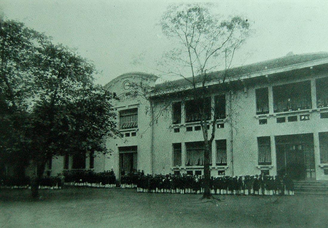 Nền giáo dục ở Tonkin - Trường Amiral Courbet ở Hà Nội