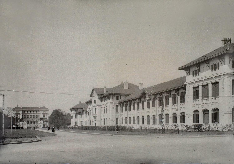 Học sinh trường Albert Sarraut ở Hà Nội