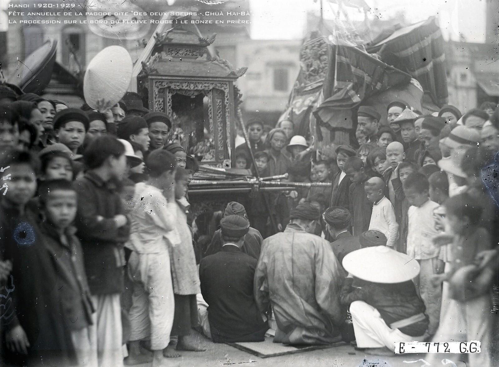 Lễ hội đền Đồng Nhân ở Hà Nội thập niên 1920