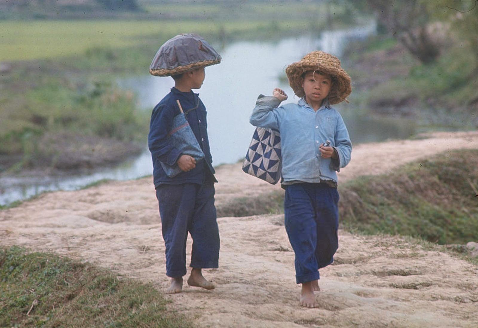 Những bức ảnh màu cực hiếm về miền Bắc Việt Nam năm 1967