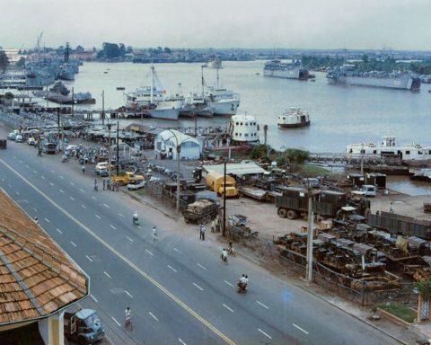 Những bức hình màu về Bến Bạch Đằng ở Sài Gòn trước 1975
