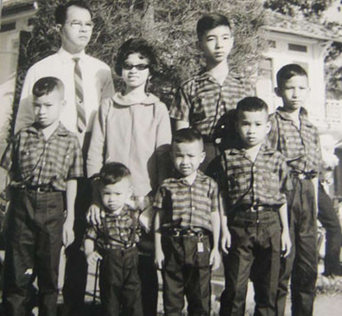 Cháu nội vua Thành Thái - Gia đình Hoàng tử Vĩnh Giu